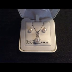 NWT Sterling Silver Diamonds and pearls set